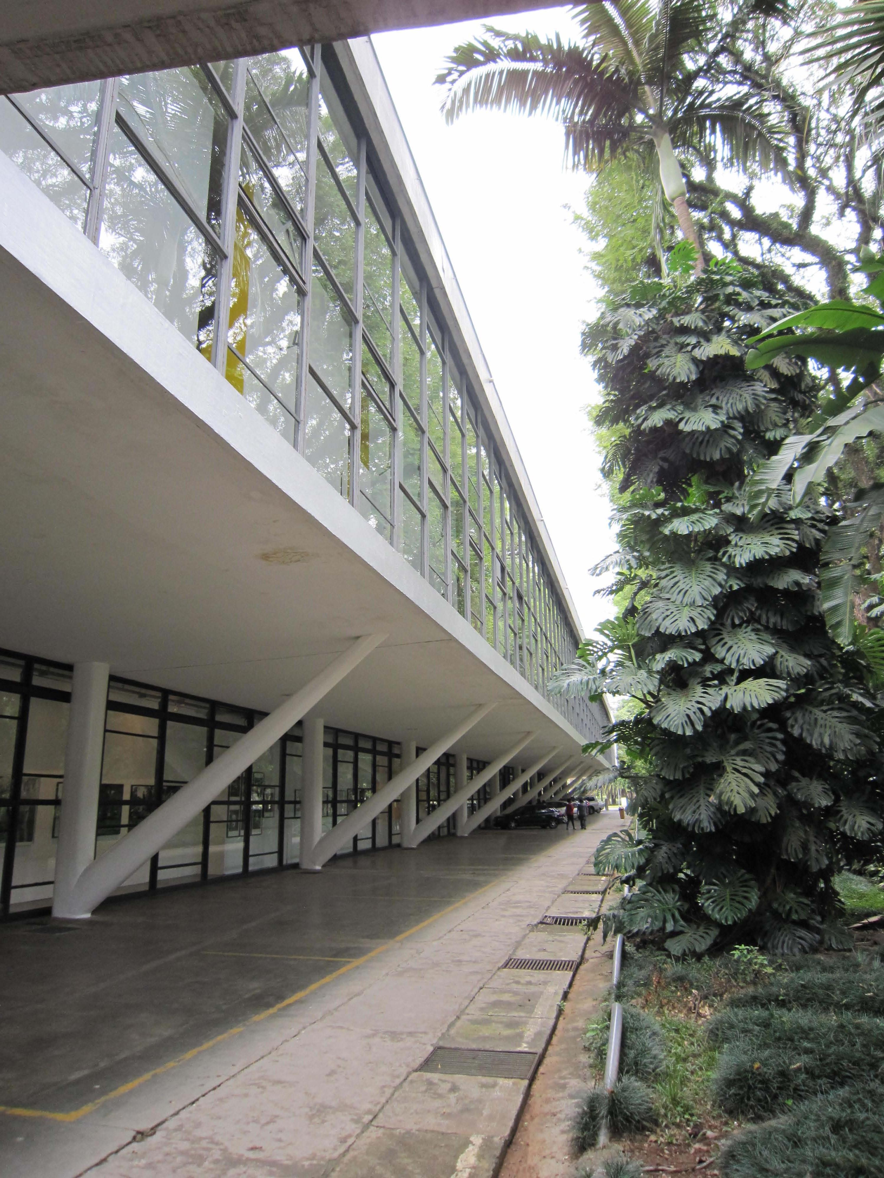 Niemeyer living on